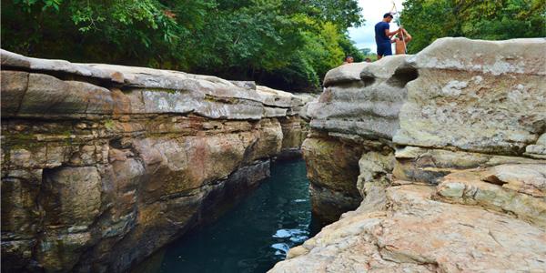 Los Cangilones Mini-Canyon, boquete, panama, caldera, gualaca, swimming